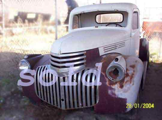 Chevrolet half ton pickup 1946 front view click to advance to next antique vehicle
